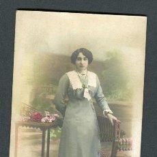 Fotografía antigua: PRECIOSA FOTO DE SEÑORITA. F: AMADEO. BCN. C. 1920. Lote 109990815