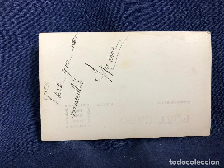 Fotografía antigua: post card blanco negro familia barco mar cantabrico mediados S XX - Foto 3 - 113158503