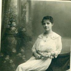 Fotografía antigua: MELILLA TRUCHAUD Y CANO FOTO DE UNA DAMA DEDICADA EN 1914.. Lote 115926399