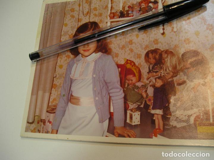 Fotografía antigua: muñeca nancy antigua foto fotografia niñas con sus muñecas nancy de famosa (18) - Foto 5 - 118509231