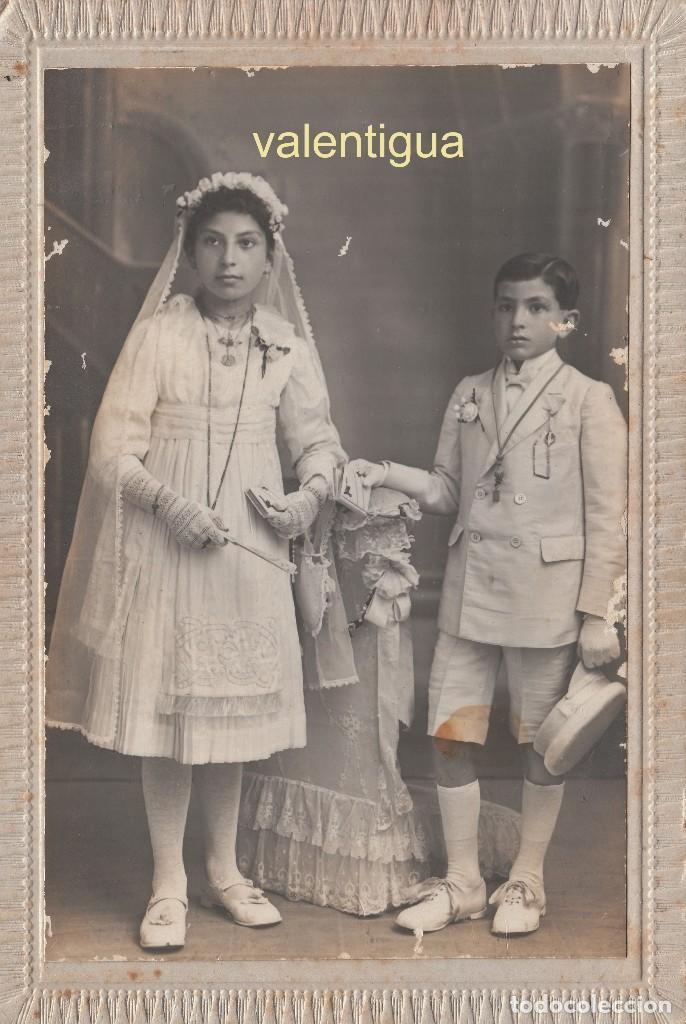 FANTÁSTICA FOTOGRAFÍA TARJETA POSTAL. NIÑOS VESTIDOS DE COMUNIÓN. J. DERREY, VALENCIA. 1919. (Fotografía Antigua - Tarjeta Postal)