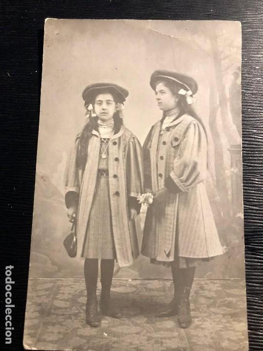 FOTOGRAFÍA ANTIGUA PAREJA DE HERMANAS ANTONIA CARMEN DEDICATORIA ÚBEDA 1908 (Fotografía Antigua - Tarjeta Postal)