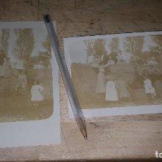 Fotografía antigua: ALBUMINAS CON FAMILIA EN LA FUENTE DE LA HERRERIA EN SAN LORENZO DE EL ESCORIAL, 14 X 9 CM.. Lote 125621983