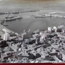 Fotografía antigua: ALICANTE. PANORÁMICA DE LA CIUDAD Y DE SU PUERTO.. Lote 126911947