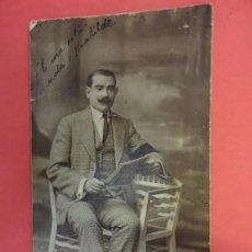 Fotografía antigua: MUY ANTIGUA FOTO ELEGANTE CABALLERO EN FORMATO POSTAL. FOT. AMER. BARCELONA. Lote 127436127
