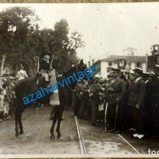 Fotografía antigua: POSTAL FOTOGRAFICA, QUEIPO DE LLANO EN UN ACTO FESTIVO, PROBABLE JEREZ DE LA FRONTERA. Lote 128510287