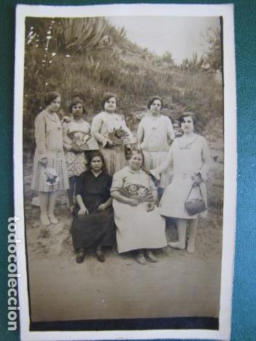 FOTO COSTUMBRISTA. GRUPO DE MUJERES VALENCIANAS. 1920 (Fotografía Antigua - Tarjeta Postal)