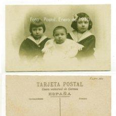 Fotografía antigua: FOTO POSTAL. NIÑOS. FECHADA EN 1910. CONSERVACIÓN.. Lote 131100460