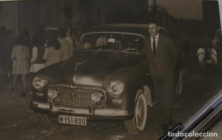 FOTO FOTOGRAFIA COCHE ANTIGUO AÑOS 60 (18) (Fotografía Antigua - Tarjeta Postal)