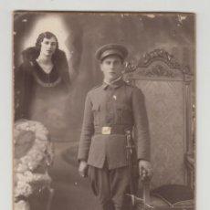 Fotografía antigua: ANTIGUA FOTOGRAFÍA, TARJETA POSTAL, OLYMPIA, BARCELONA, MILITAR, SOLDADO. Lote 135730963