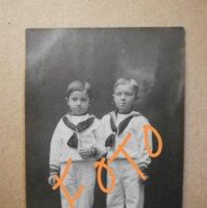 Fotografía antigua: ANTIGUA FOTOGRAFÍA POSTAL.PRINCIPE ALFONSO DE BORBÓN, INFANTE JAIME.COMUNIÓN.HIJOS REY ALFONSO XIII. Lote 152074857