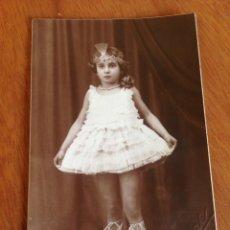 Fotografía antigua: TARJETA POSTAL - HERMOSA NIÑA CON TUTU. Lote 138624940