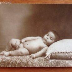 Fotografía antigua: TARJETA POSTAL DE BEBE. Lote 138826501