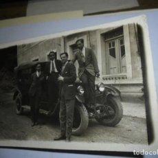 Fotografía antigua: TARJETA POSTAL ASTURIAS COCHE MATRICULA OVIEDO. Lote 142353274