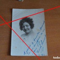 Fotografía antigua: CAROLA FERRANDO - POSTAL DEDICADA DE SU PUÑO Y LETRA. Lote 142355234