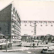 Fotografía antigua: JACA POSTAL DE JACA AÑOS 60 VISTA GRAN HOTEL . Lote 143245034