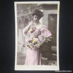 Mujer con flores VBC Serie 3410 Escrita, sin sello