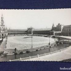Fotografía antigua: ANTIGUA POSTAL FOTOGRAFÍA PLAZA DE ESPAÑA SEVILLA MEDIADOS S XX. Lote 148896206