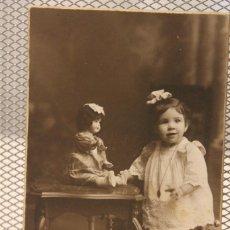 Fotografía antigua: TARJETA POSTAL SOBRE CARTÓN. DAGUERRE FOT. BCN. 13,5 X 8,5 CM. INF. 2 FOTOS.. Lote 151571070