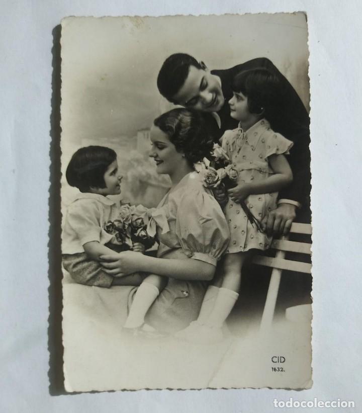 Foto familiar blanco y negro - Postal