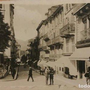 Aix-Les Bains. Rue des Bains. Francia. Tarjeta postal fotográfica.