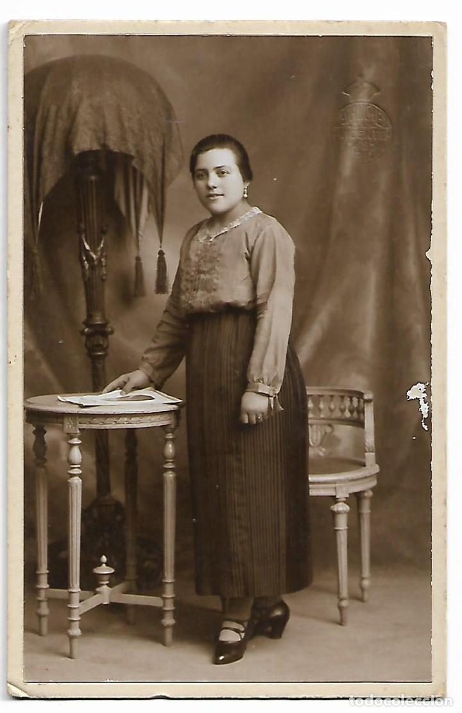 ANTIGUA TARJETA POSTAL FOTOGRAFIA MUJER FOTOGRAFO L. SANCHEZ VALENCIA CIRCA AÑO 1925 (Fotografía Antigua - Tarjeta Postal)