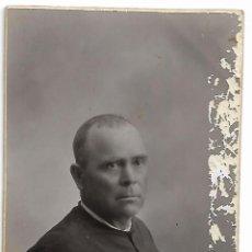 Fotografía antigua: ANTIGUA TARJETA POSTAL FOTOGRAFIA HOMBRE FOTOGRAFO CUESTA VALENCIA CIRCA AÑO 1900. Lote 152445686