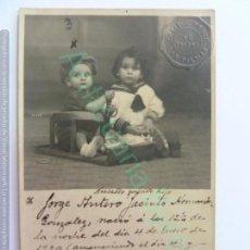 Fotografía antigua: TARJETA POSTAL ANTIGUA ORIGINAL. NIÑO FALLECIDO RECORDATORIO. SELLO PONCE LAS PALMAS. AÑO 1920. Lote 242894395