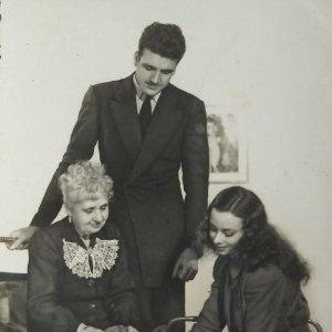 Foto familiar blanco y negro Postal