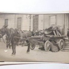 Fotografía antigua: ÚNICA! 25 ABRIL 1923 DÍA QUE SE DEPOSITÓ EL MONUMENTO A LOS HÉROES EN EL VESTÍBULO AYUNT. TARRAGONA. Lote 154728754
