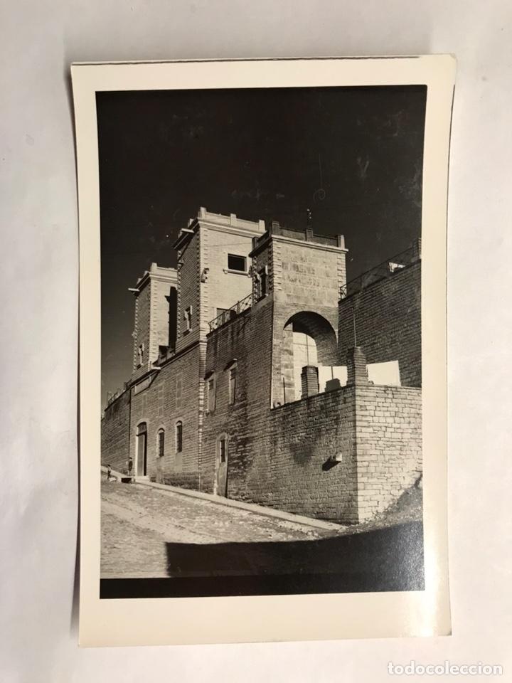 PORCUNA (JAÉN) POSTAL FOTOGRAFÍA. CASA DE LA PIEDRA. EDITA: FOTO CESAR (H.1960?) (Fotografía Antigua - Tarjeta Postal)