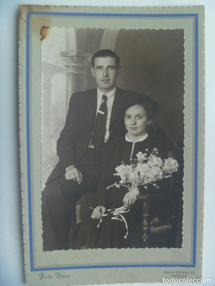 BONITA FOTO DE ESTUDIO DE BODA, AÑOS 40 . DE BAEZ , HUELVA (Fotografía Antigua - Tarjeta Postal)