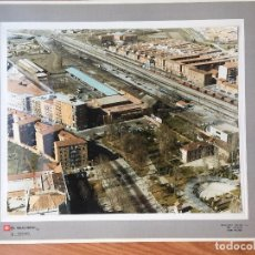 Fotografía antigua: PAISAJES ESPAÑOLES PALENCIA. RENFE FERROCARRIL FOTO AEREA GRANDE 39X30,5 CM EN MARCO CARTÓN 47X40CM. Lote 157755166