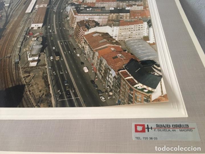 Fotografía antigua: PAISAJES ESPAÑOLES N 602941 OVIEDO FOTOGRAFIA AEREA GRANDE 39X30,5 cm en marco cartón 47x40 cm - Foto 4 - 157755818