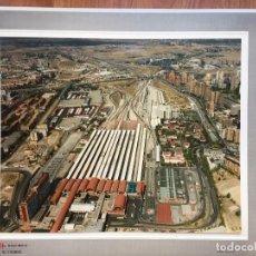 Fotografía antigua: PAISAJES ESPAÑOLES N 740693 RENFE MADRID CHAMARTIN FOTO AEREA GRANDE 39X30,5 CM. Lote 158425094