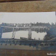 Fotografía antigua: FOTO TARJETA POSTAL MILITARES OFICIALES CUERPO INGENIEROS EPOCA ALFONSO XIII CONSTRUCCION PUENTE. Lote 159224878
