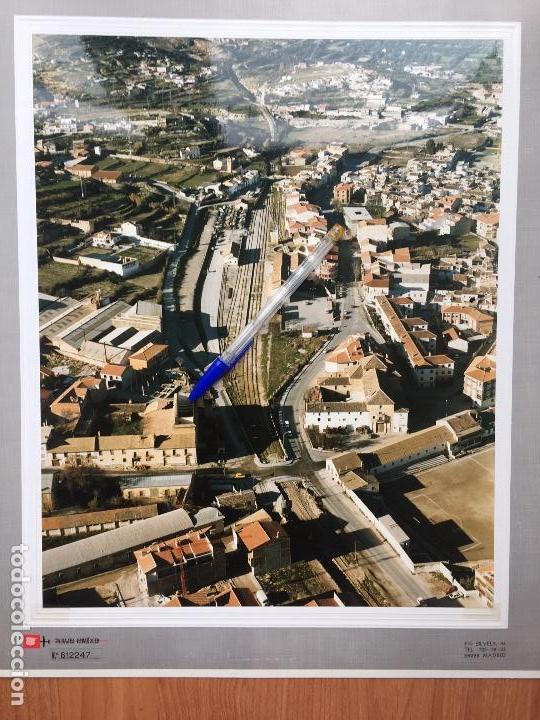 PAISAJES ESPAÑOLES FOTOGRAFIA AEREA 39X30,5 BAZA GRANADA. RED DE FERROCARRILES. RENFE (Fotografía Antigua - Tarjeta Postal)