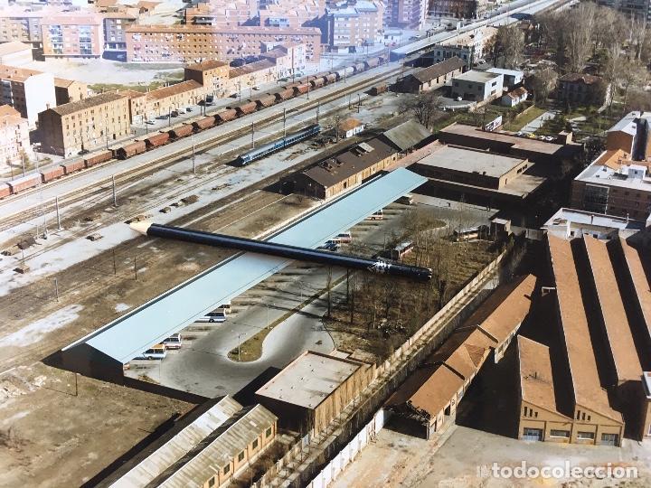 Fotografía antigua: PAISAJES ESPAÑOLES FOTOGRAFIA AEREA 39X30,5 PALENCIA RENFE FERROCARRILES - Foto 3 - 159727634