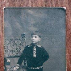 Fotografía antigua: ANTIGUA FOTOGRAFIA TARJETA POSTAL - NIÑO POSANDO - NIEPCE - BARCELONA - AÑOS 20. Lote 160370162
