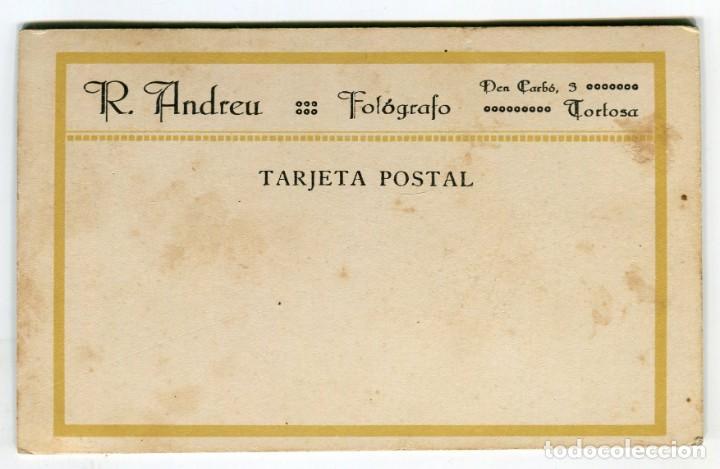 Fotografía antigua: TORTOSA R. ANDREU FOTOGRAFIA NIÑO CON CABALLO DE CARTON (VER IMAGEN DEL REVERSO) AÑOS 30 / 40 - Foto 2 - 161866562
