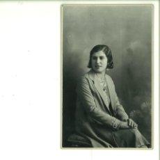 Fotografía antigua: SEÑORITA POSANDO EN ESTUDIO. MODERN STUDI MARARREDONDA. ALCOY. Lote 162946974