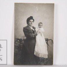 Fotografía antigua: ANTIGUA FOTOGRAFÍA / POSTAL - RETRATO DE MUJER CON BEBÉ - M. MARSAL, TARRAGONA - SIN CIRCULAR. Lote 164679054