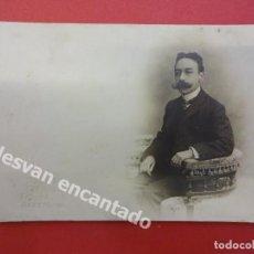 Fotografía antigua: CABALLERO POSANDO EN ESTUDIO BANUS FOTÓGRAFO. CANUDA. BARCELONA. Lote 167923164
