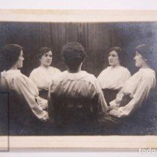 Fotografía antigua: ANTIGUA FOTOGRAFÍA / MONTAJE FOTOGRÁFICO - MUJER CON DOBLES - AMERICAN ALOGRAFF, BARCELONA. Lote 168573000