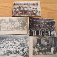 Fotografía antigua: 5 FOTOGRAFÍAS POSTAL DE GRUPOS ESCOLARES Y UNA DE SALON. Lote 169586045