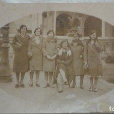 Fotografía antigua: ANTIGUA FOTOGRAFIA.GRUPO DE CHICAS.ESTACION OCATA.MASNOU-BARCELONA? AÑOS 20.. Lote 172720012