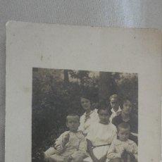 Fotografía antigua: ANTIGUA FOTOGRAFIA.GRUPO DE NIÑOS.EL BOSCH.ARGENTONA BARCELONA 1920. Lote 172720272