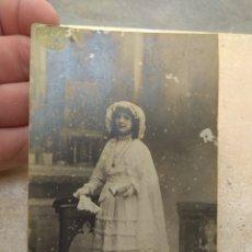 Fotografía antigua: FOTOGRAFÍA NIÑA PRIMERA COMUNIÓN 1916 - J. LLOPIS - VALENCIA -. Lote 172729117