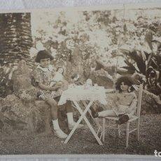 Fotografía antigua: ANTIGUA FOTOGRAFIA.NIÑA CON MUÑECAS AÑOS 20.. Lote 174409464
