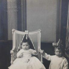 Fotografía antigua: FOTOGRAFÍA POSTAL ANTIGUA-POSADO DE ESTUDIO-ALCOY -PALACIO- NIÑOS AÑOS 1910 . Lote 174974093